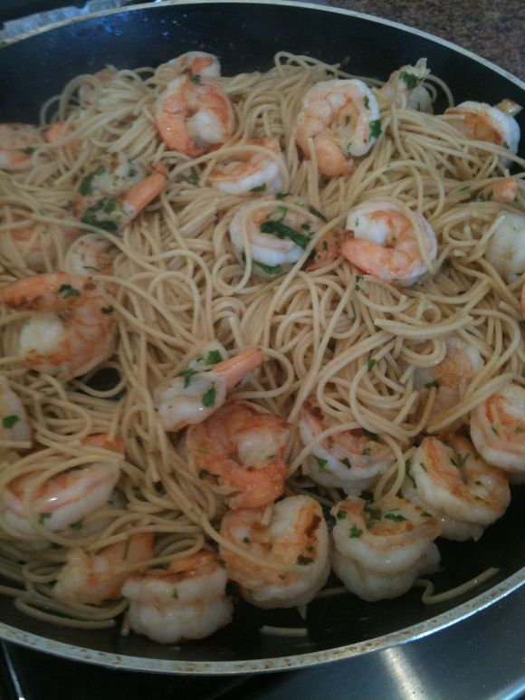 Garlicky Shrimp and Spagetti